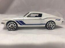 Hot Wheels Mattel Ford Mustang White Blue Metal R7520 1186MJ,1,NL Malaysia