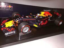 Minichamps F1 Red Bull Racing RB13 Daniel Ricciardo 1/18 Australian GP 2017