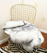 Faux Fox Wool Carpet Floor Mat Cushion Pad Fluffy Mat Soft Faux Fur Rug 2.7'x4'
