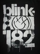 BLINK 182 B&W (LG) T-Shirt