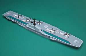 TRIANG MINIC SHIP HMS ALBION COMMANDO CARRIER M753 reconditioned VG HELICOPTERS
