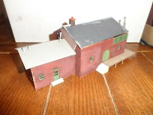 HO SCALE WARE HOUSE BUILDING