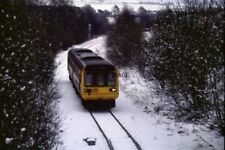 PHOTO  1993 BISHOP AUCKLAND IN THE SNOW A DIESEL MULTIPLE UNIT APPROACHING BISHO