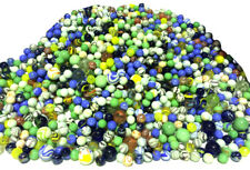 A BIG BUNDLE OF MARBLES - 800 MARBLES INCLUDING LARGE SHOOTER MARBLES