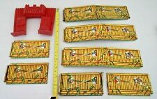 Vintage IDEAL TOYS Red Plastic FORT GATE with TIN LITHO WALLS