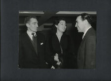 AVA GARDNER MEETS SOCCER STARS - 1955 VINTAGE CANDID PHOTO