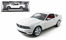 GREENLIGHT 1:18 - 2010 FORD MUSTANG GT White Diecast Car Model