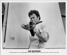 The Enforcer original 8x10 photo 1976 Clint Eastwood points rifle at camera