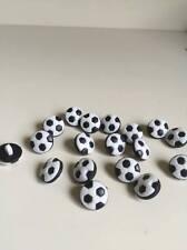 10 Pcs 13 mm noir et blanc Football Patterns Plastique Boutons Vêtements (142)