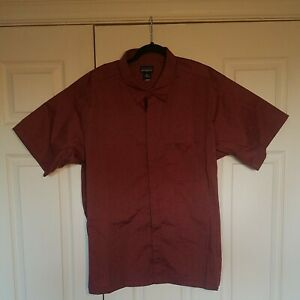 PATAGONIA Short Sleeve Snap Button Up Lightweight  Collar Tshirt - Red - Size L