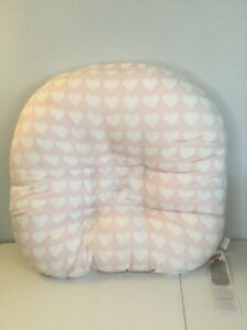 """BOPPY LOUNGER 22"""" x 22"""" Pink & White Hearts Pillow. Excellent Condition."""