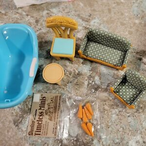 Lot 5 Pieces of Plastic Doll House Furniture in Good Condition Tub Chair Sofa