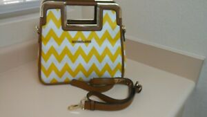 Michael Kors white & yellow chevron design purse...nice item!!!!