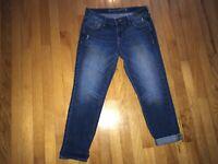 Old Navy Women's Denim Blue Jean Cropped Capri Pants Size 4