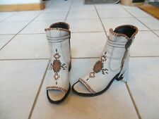 DOUBLE D RANCH LEATHER EMBROIDERED TUSKEGEE BONE GREY BOOTS NWB - 7-RUN LARGE