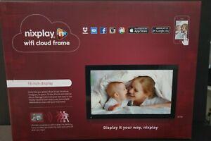 "Nixplay 18"" Digital Wifi Cloud Photo/Video Frame - New in Box - Model W18A"