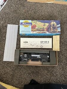 HO Athearn 1607 Norfolk Southern GP38-2 # 5246 Diesel Engine Powered NEW Model