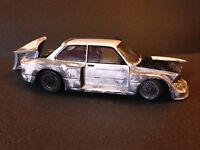 BMW 320i Gruppe 5 Umbau Tuning Diorama Scheunenfund Schrott weathered 1:18