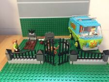 Custom Lego cemetery & gate - perfect for Scooby Doo / city/ train/haunted house