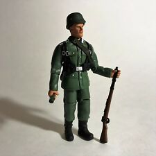 Armed Forces WWII Military Normandy Infantry Soldier Figure 1:18 Intoyz 2000