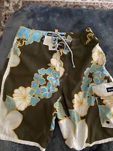 Abercrombie & Fitch A&F White Flowers Blue Board Shorts Swim Trunks Size 32