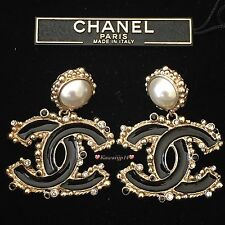 Auth CHANEL Gold Vintage Style CC Logo Boucles Oreille Earrings A61335Y09674