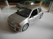 Universal Hobbies Renault Sport Clio V6 in Grey on 1:18
