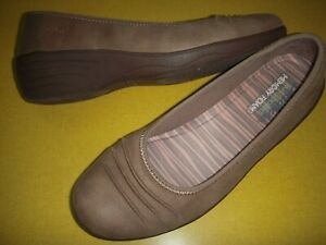 Skechers Ruffled Slip-On Memory Foam Wedge Skimmers Women's Shoes 7 M Taupe 7M
