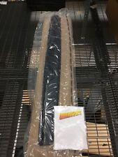 HUMMER H2 TAIL GATE UPPER APPLIQUE MOLDING BELOW 3RD BRAKE LIGHT 25894803