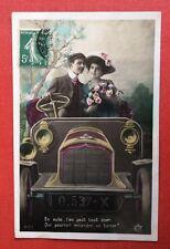 CPA. 1913. Automobile. Couple. Amour. Baiser.