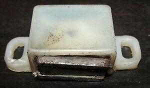 MORRIS MINOR 1000 SALOON & TRAVELLER GLOVE BOX LID CATCH / MAGNET