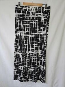 Brave + True Size M Black and White Longline Midi Skirt w Side Slit