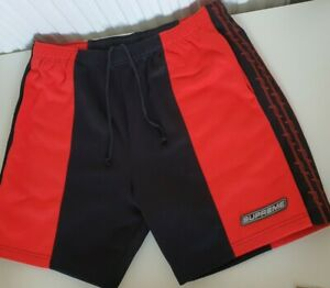 SS19 Supreme Stacheldraht Athletic Rot Kurz Größe L Shorts