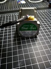 Sanyo Denki Step Syn Stepping Motor 3a 18 Deg 103h7126 5590 Nema 23 Size