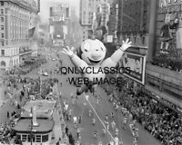 '31 MACY'S DAY PARADE NEW YORK CITY 8X10 PHOTO MIGHTY MOUSE BALLOON TIMES SQUARE