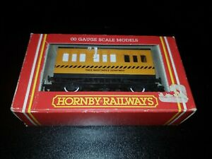 OO Gauge Hornby R296 Track Cleaning Coach Maintenance Department Yellow boxed