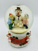 Snowman With Children Outside Snowglobe / Music Box Plays Frosty The Snowman ☃️