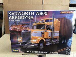 KENWORTH W900 AERODYNE Conventional Tractor 1/25 Revell Model Kit NIB