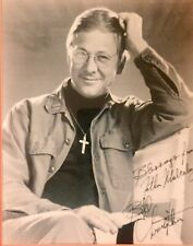 M.A.S.H.: William Christopher (Father Mulcahy) Autographed 8x10 Set Photo.