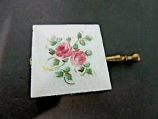 GUILLOCHE PORTABLE ASHTRAY TRAVEL ROSE FLOWERS VINTAGE TOBACCIANA