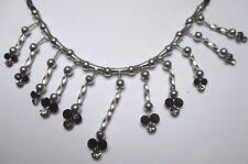 Bijou moderne collier couleur argent pampilles perles verre noires facettes 3295