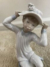 authentic retired lladro figurine girl with hat bonnet sitting on stool #1147