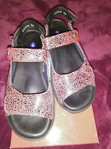 EUC Wolky European Red And Black Leather Sandals, Size 38 / Aus 7. FREE POST!!!