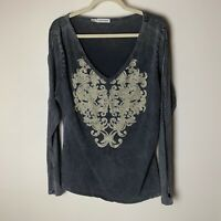 Maurices Women's Top Size XL Gray Cream Bling Long Sleeves Open Weave Sleeve