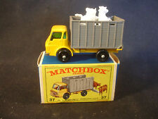 Matchbox 37 Cattle Truck With Animals Diecast Toy With Original Box