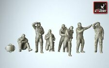 Armory 1/72 RAF WWII Heavy Bomber Crew in High Altitude Outfit - Full Set Resin