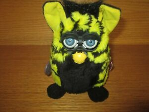 Yellow and Black Striped FURBY Tiger Electronics  not tested  1999 70-800