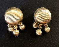 Vintage Gold Tone Sarah Coventry Clip Back Earrings Signed Sarah Cov