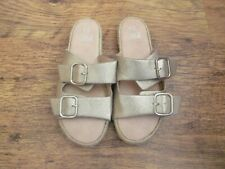 NEW SIZE 5 GOLD SLIDERS