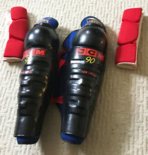 Ccm Hockey leg and elbow pads youth small/medium black and red sturdy protection